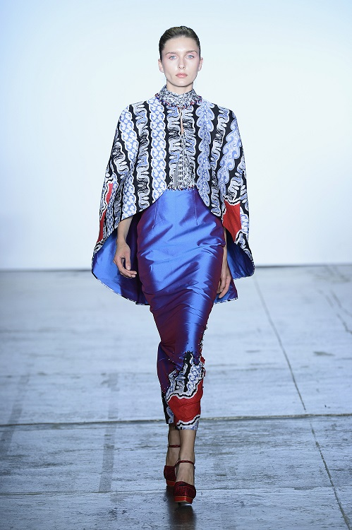 NEW YORK, NY - SEPTEMBER 07:  A model walks the runway during the Indonesian Diversity fashion show during September 2018 New York Fashion Week at Industria Studios on September 7, 2018 in New York City.  (Photo by Fernanda Calfat/Getty Images for Indonesian Diversity)