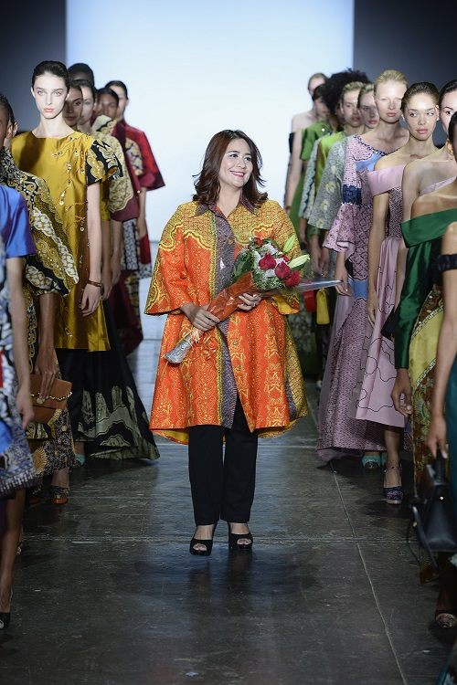 NEW YORK, NY - SEPTEMBER 07:  Designer Coreta Louise walks the runway during the Indonesian Diversity fashion show during September 2018 New York Fashion Week at Industria Studios on September 7, 2018 in New York City.  (Photo by Fernanda Calfat/Getty Images for Indonesian Diversity)