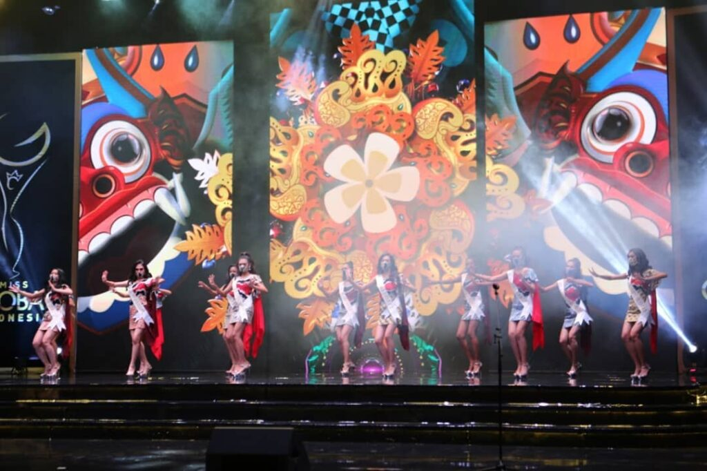 Miss Global Indonesia 2020_Coreta Louise-Batik dress-2