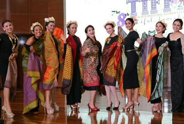 Batik Coreta Louise-Tomohon International Flower Festival 2018-8_620x420px