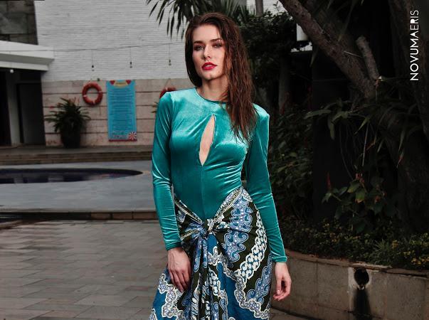 Karolina Kokesova-Miss Global 2019-Royal Court-Batik Coreta Louise-9
