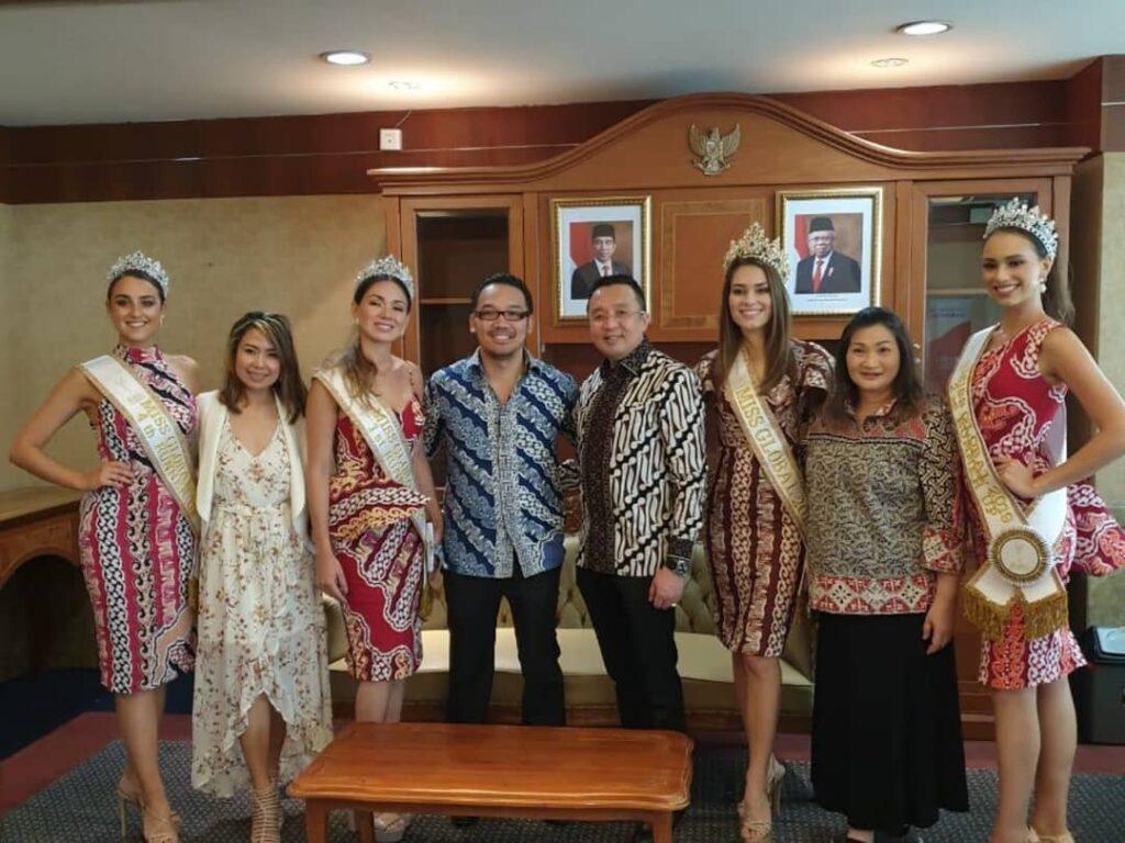 Miss Global 2019-Batik Coreta Louise-Visit Indonesian Ministry of Tourism-